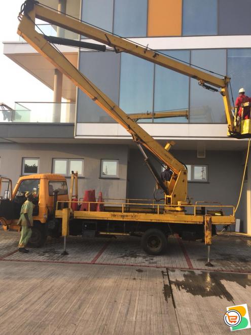 Scissors lift equipment manlift
