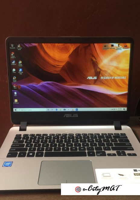 Laptop Asus 4GB Intel Celeron HDD